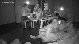 Guest sexparty in livingroom jan 15 01 2021