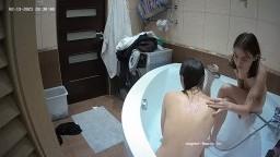 Helena and Eva bath feb 13 02 2021