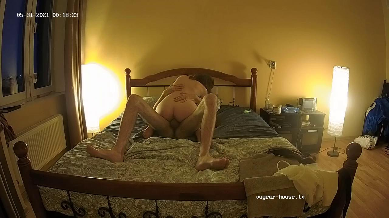 Jules and guest girl evening sex May 30 2021 cam 3