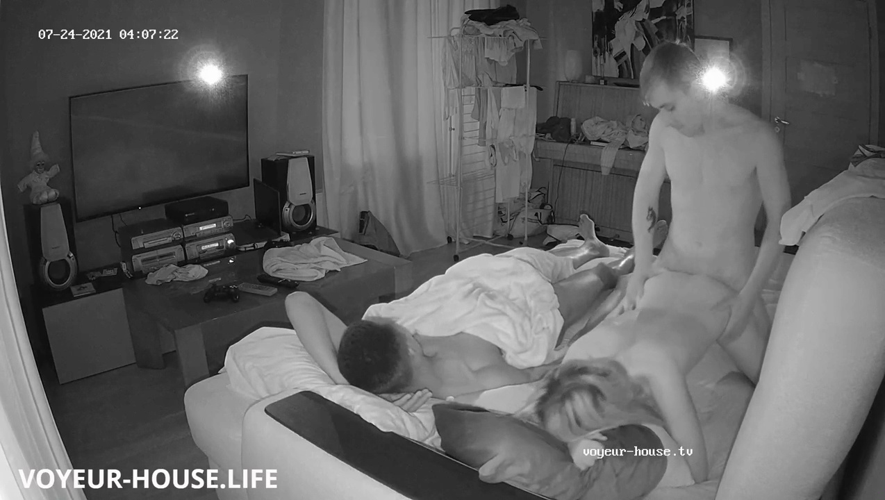 Markus guest couple hot fuck in Living room July 25 2021 voyeur house life