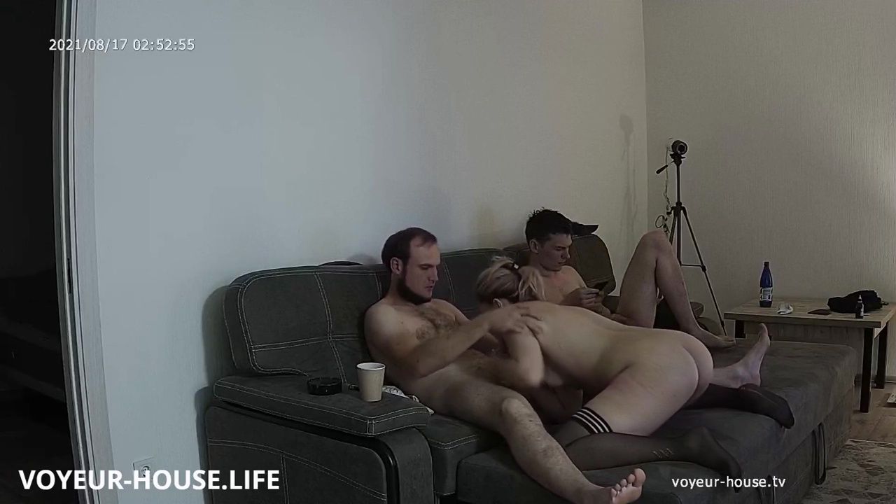 Leya Guest more couch fun Aug 17 2021 cam 2