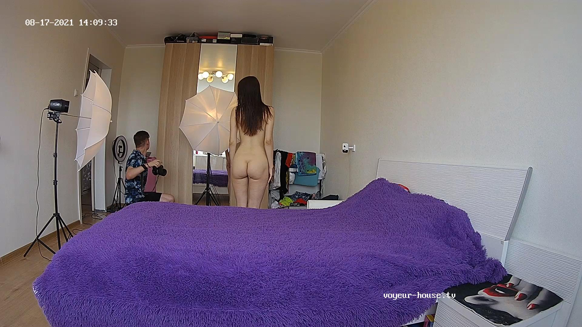 Guest girl quick photoshoot Aug 17 2021 cam 1