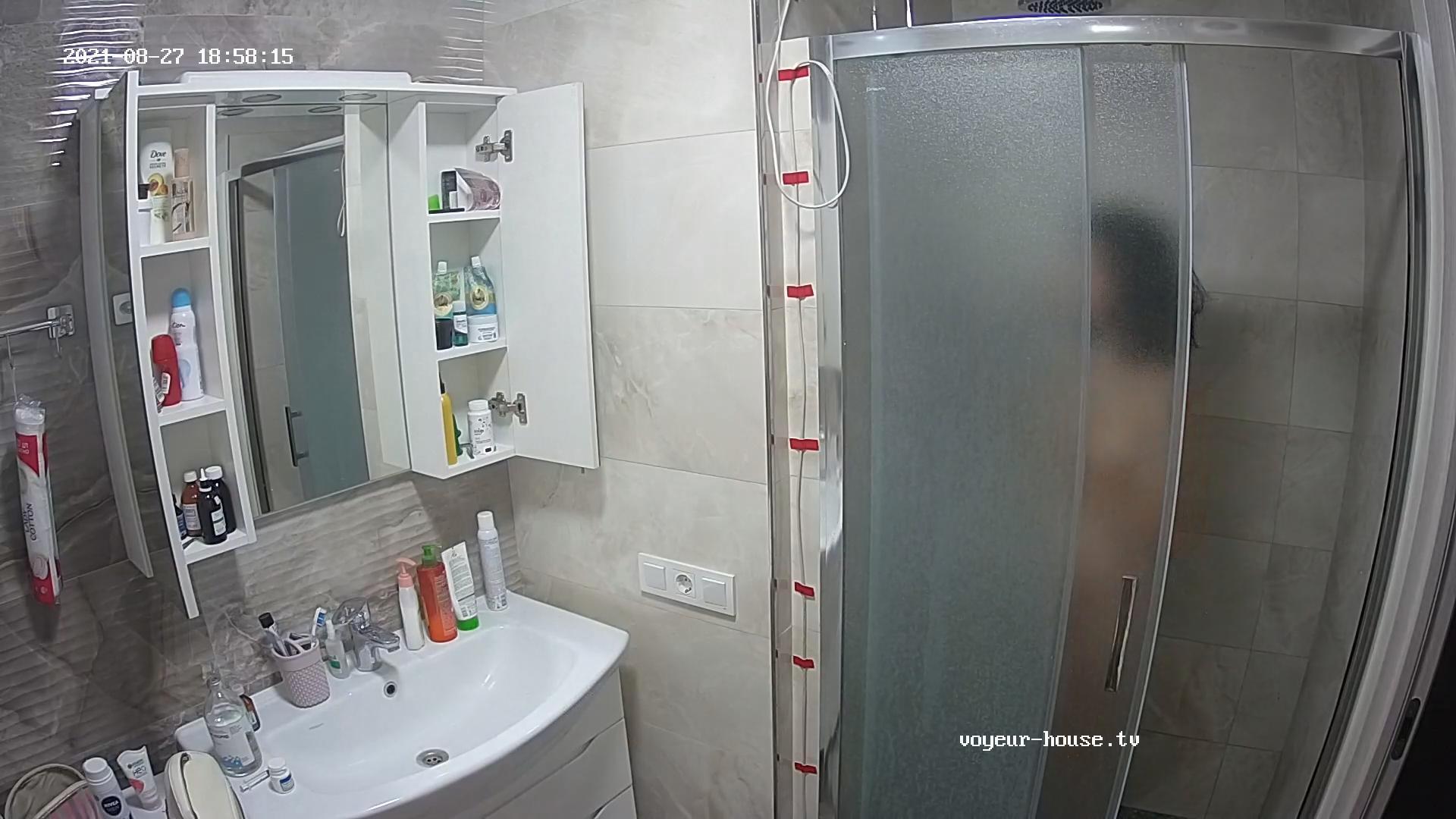 Elliot Ali quick wash after sex Aug 27 2021 cam 2