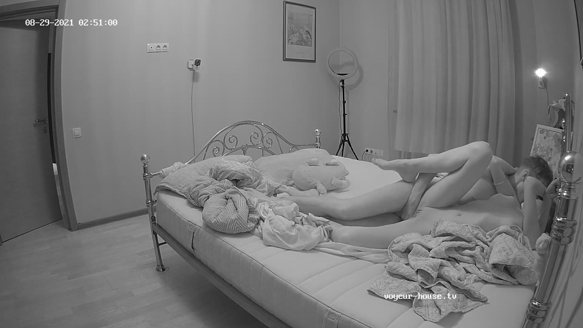 Robien Milana Guest girl threesome rd2 Aug 29 2021