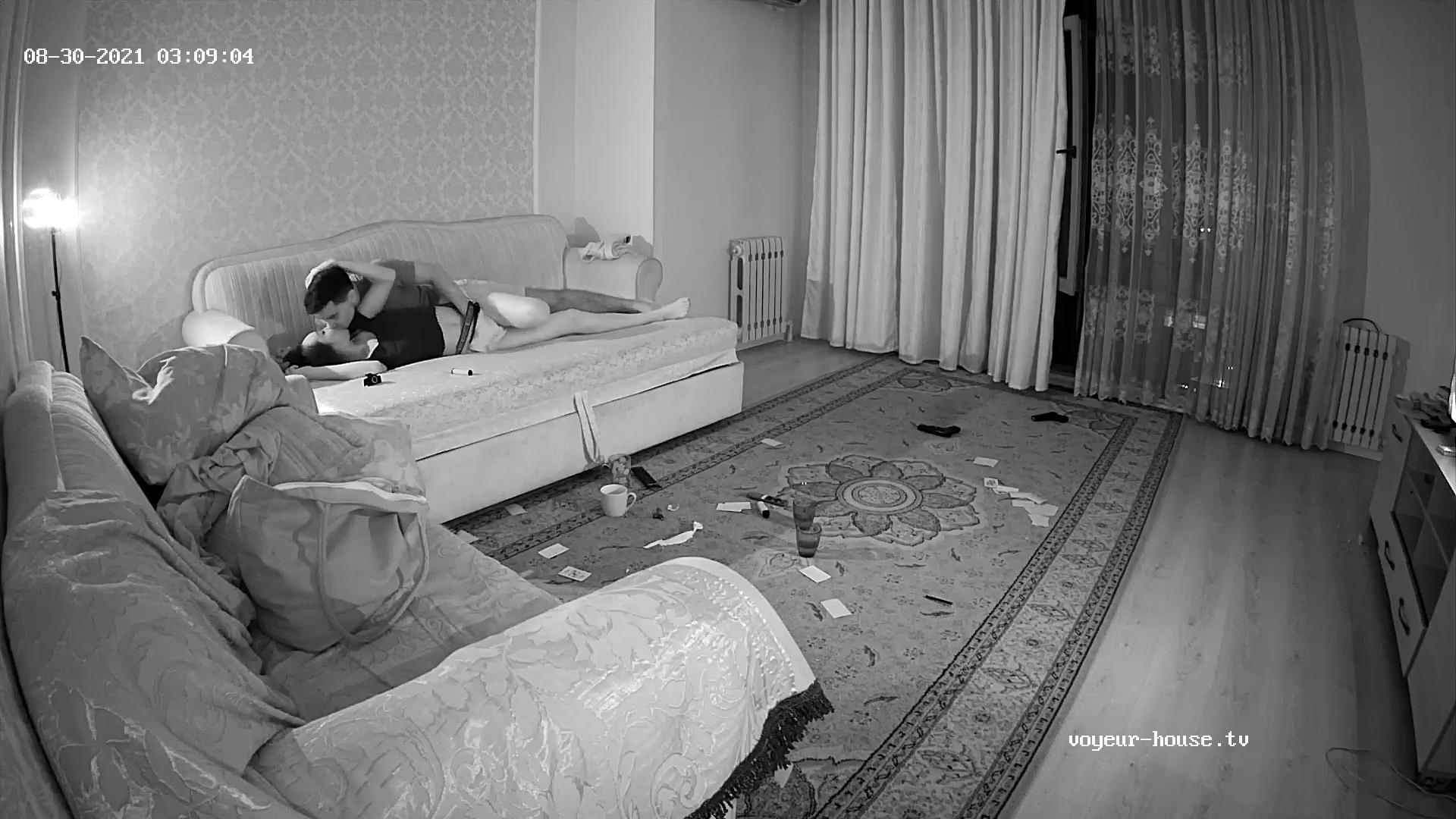 Guest Couple living room sex 30 Aug 2021 cam 3