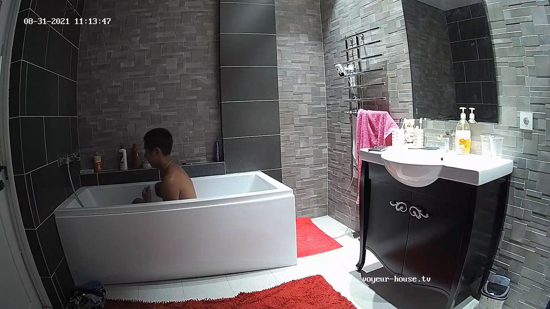 Nok shower 31 Aug 2021 cam 2