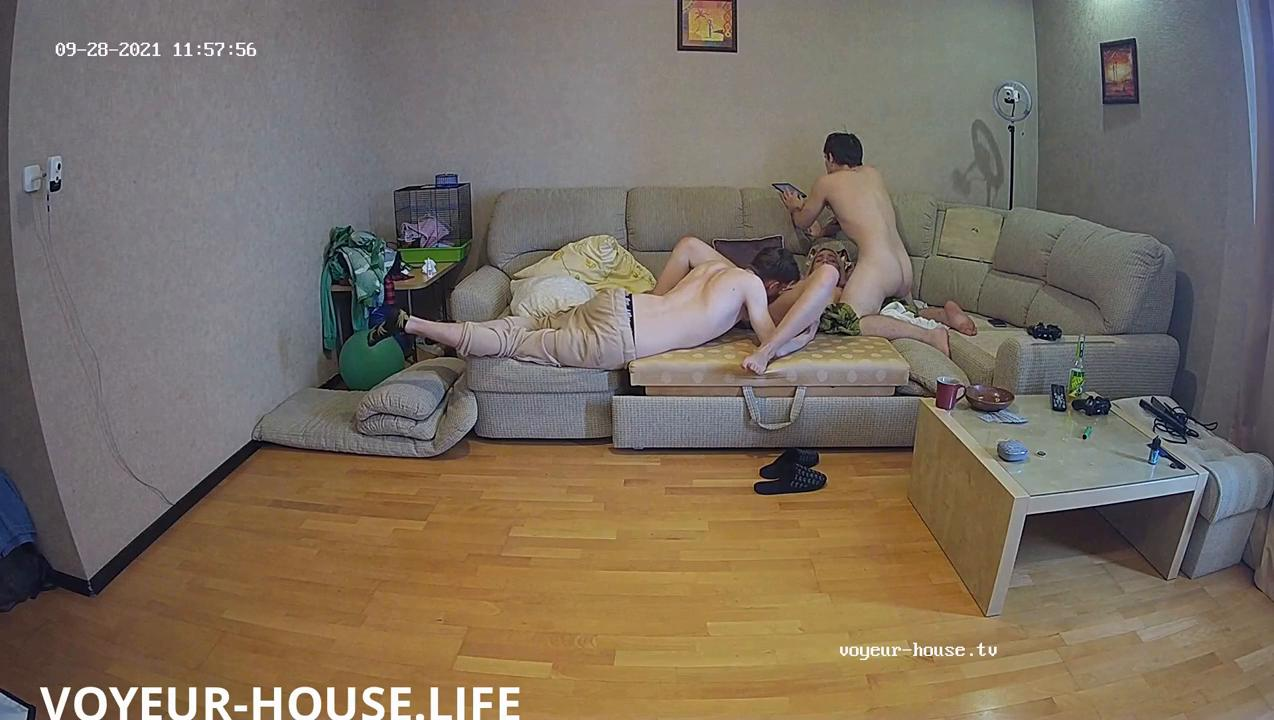 Luchik Robien and Foxy Slaves hot threesome in the LR Sep28 2021 cam 3