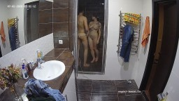guest couple and mia shower and quick blowjob jul0220