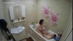 Guests girls bath fun dec 24 12 2020